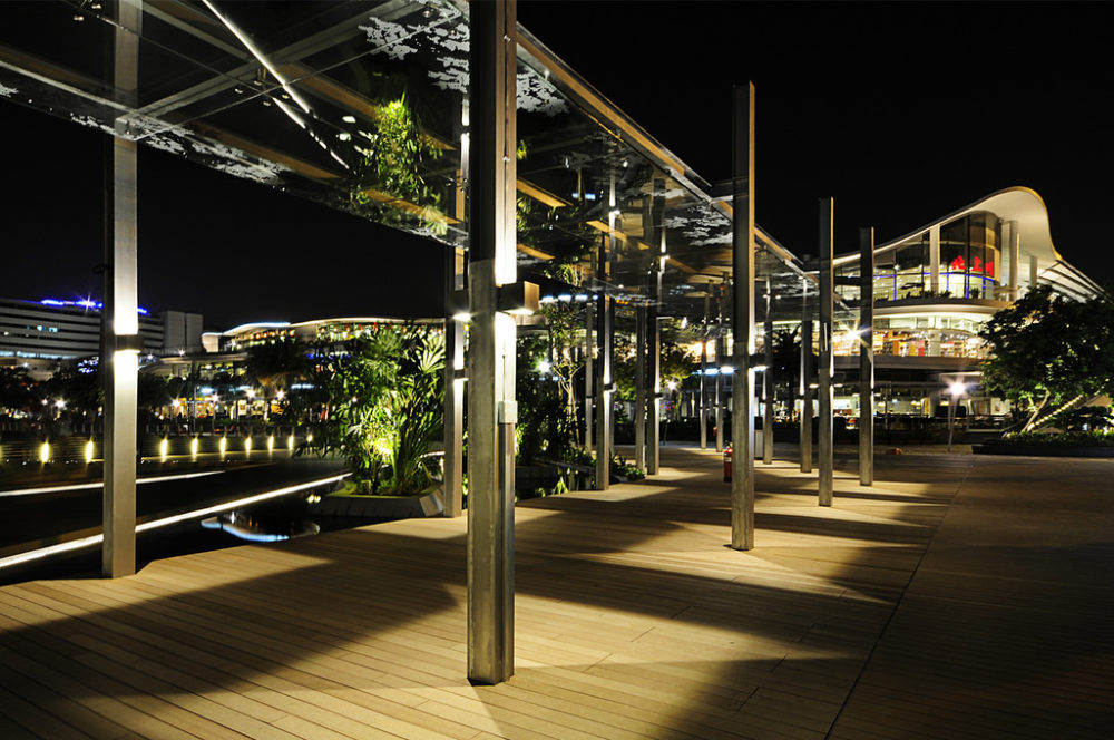 The tranquil Sentosa Boardwalk promises free entry for all visitors until the end of 2016