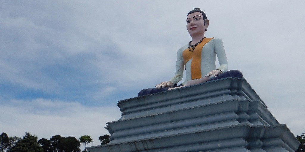 Re-Lok-Yeay-Mao-Statue-Bokor-Mountain