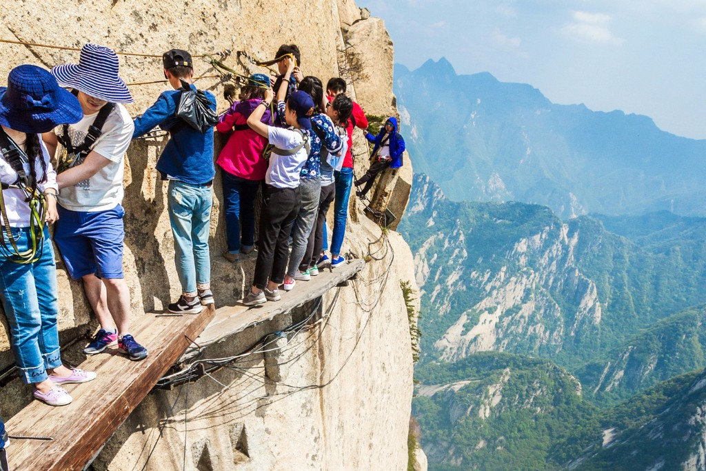 mount-huashan-deadliest-climb_5_LEAD