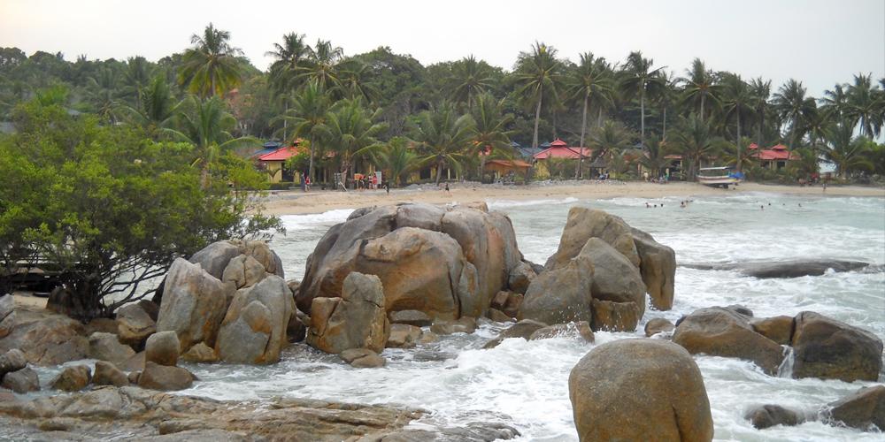 Pantai_Parai_Tenggiri_Bangka