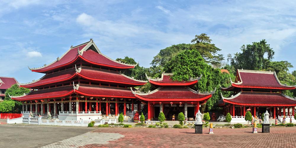 Three_Temples_at_Sam_Poo_Kong_2014-06-18