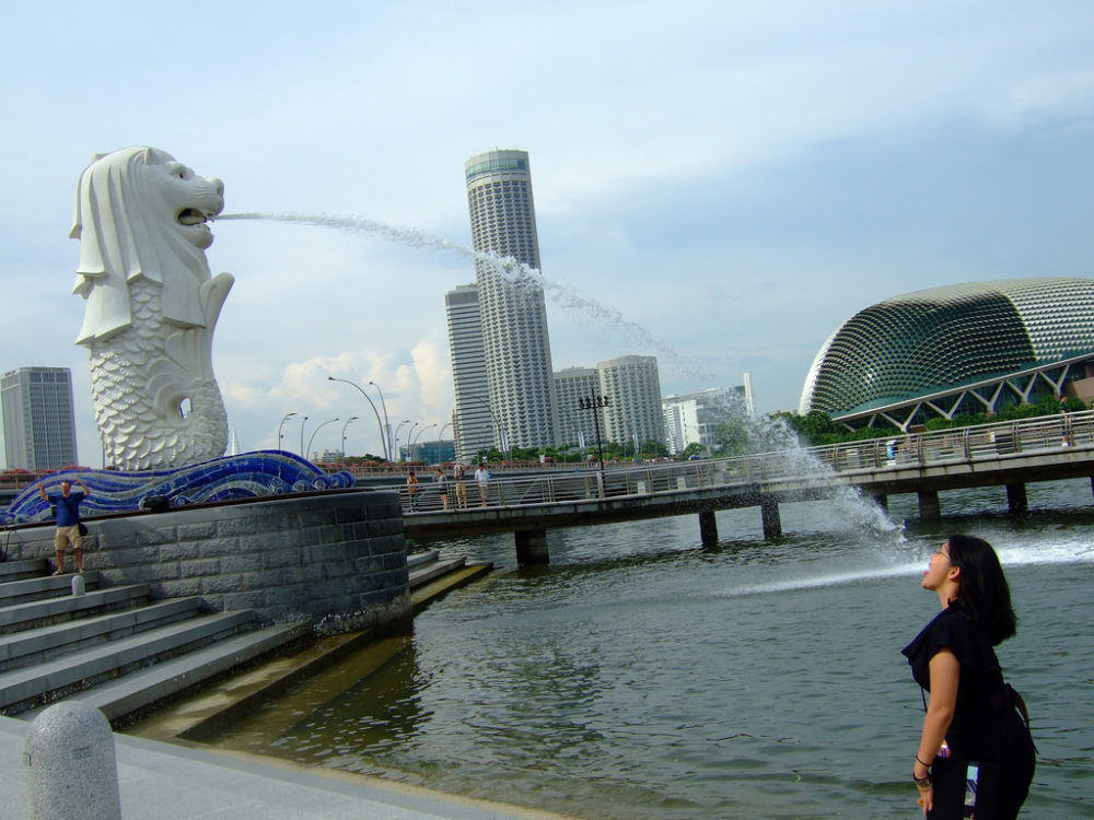 """the merlion singapore funny poses landmark national icon"""