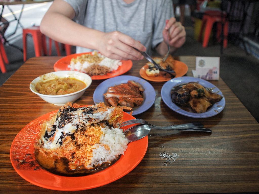 """loo's hainanese curry rice tiong bahru neighbourhood guide"""