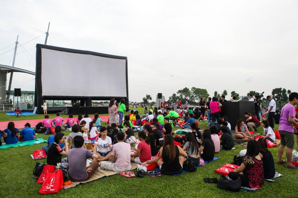 Screening at Marina Barrage in 2015. Taken from the MovieMob Facebook page