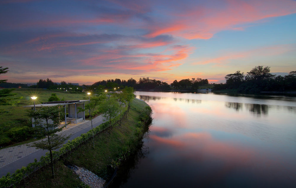 A beautiful sunset along Punggol Connector, part of the North Eastern Riverine Lop. Photo by Erwin Soo