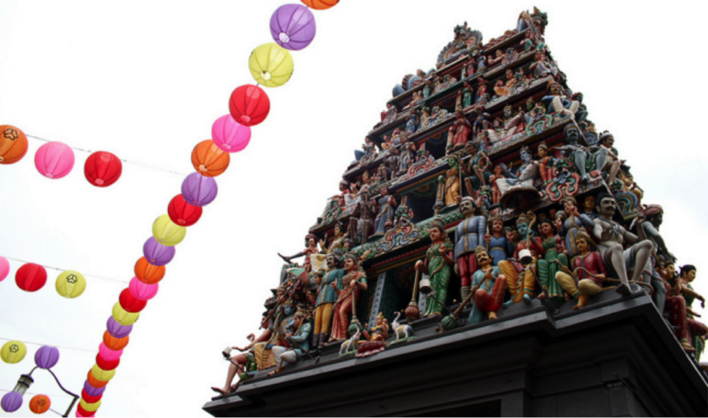 Singapore Footprints Tour in Chinatown allows you to explore sights such as the oldest Hindu Temple in Singapore, Sri Mariamman
