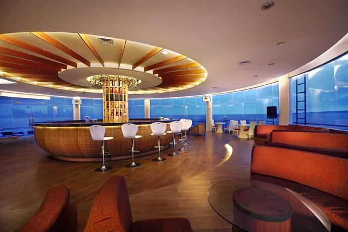 Le Méridien Jakarta | A Modern Luxury Hotel in Jakarta