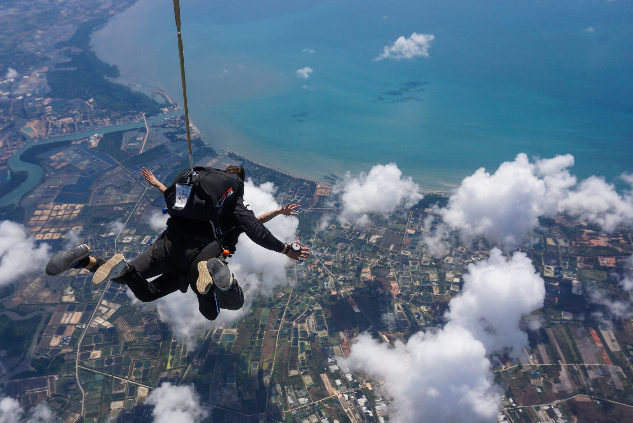 The top places to sky dive in Asia including 10 countries