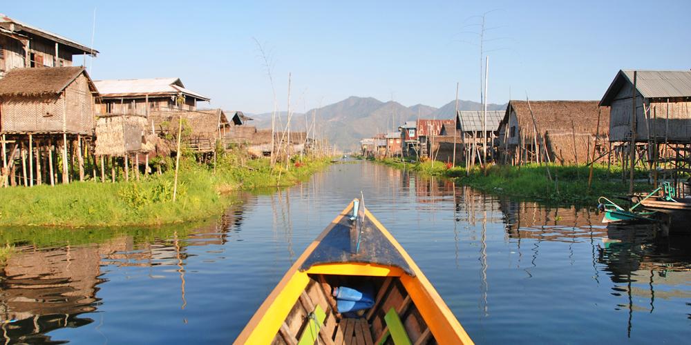 Inle_Lake_Burma_floating_village_4