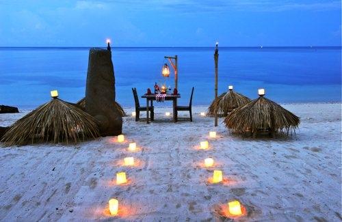 Dining on Sira Beach at Hotel Tugu Lombok