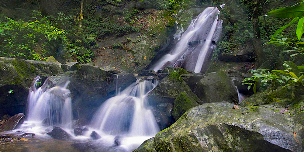 Poring-Hot-Springs-Waterfall1