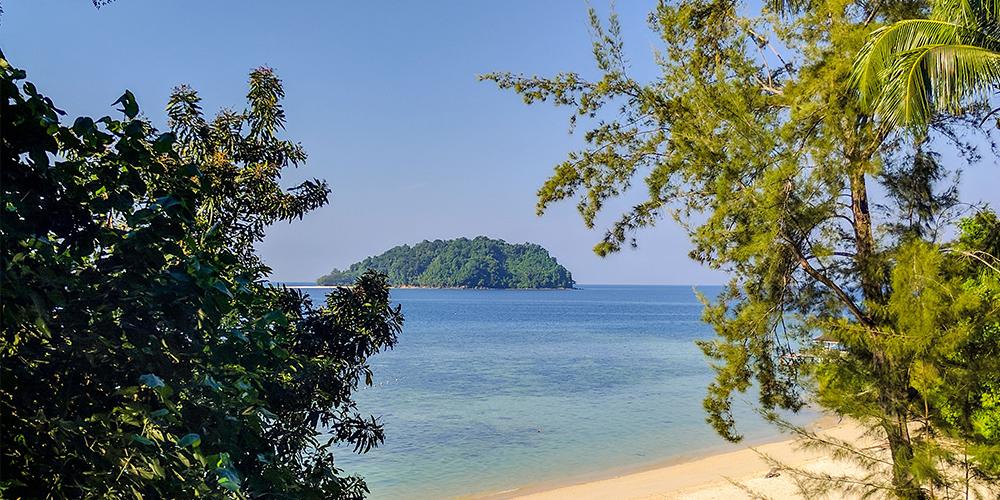 Manukan-Island-beach