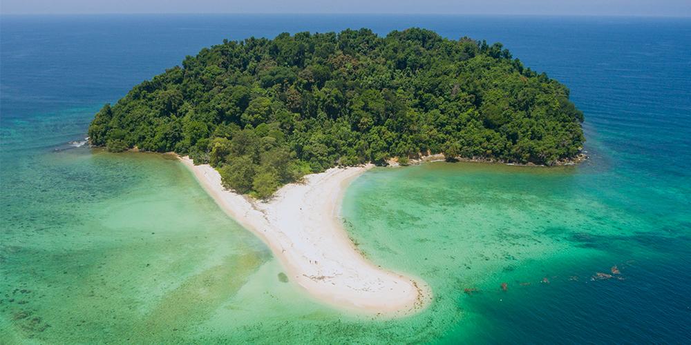 Manukan-Island-drone-island