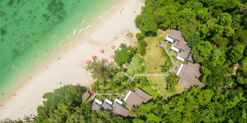 Manukan-Island-hotel-drone