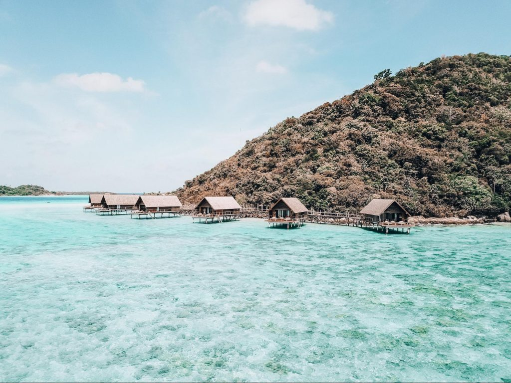 Overwater villas at Bawah Reserve