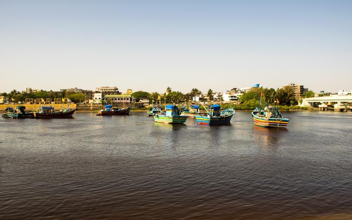 The tranquil setting of Nani Daman Jetty